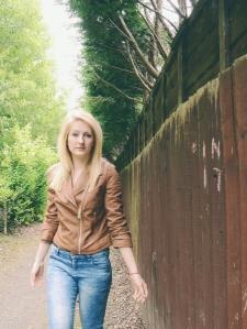brownleatherjacket1